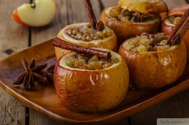 запеченные яблоки в духовке с медом и орехами