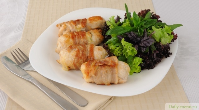Куриные рулетики с овощами в духовке