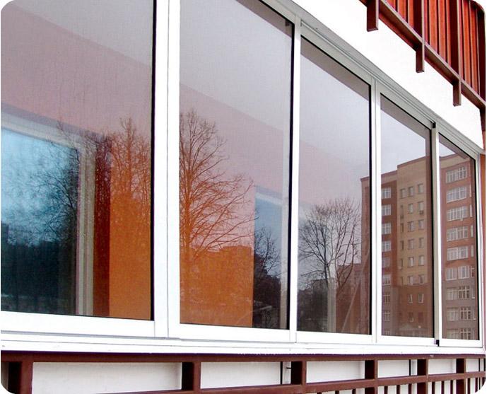 Остекление балконов и лоджий. Какой профиль выбрать, алюминиевый или пластиковый?